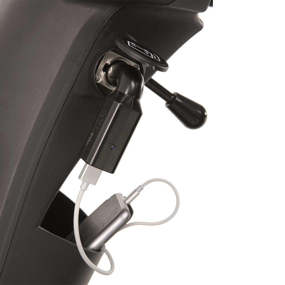 Schnell und bequem das Handy laden mit dem USB-Adapter von Invacare