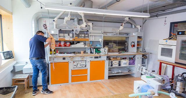 An unserem Standort in Wehrda entstehen neue hochwertige Prothesen